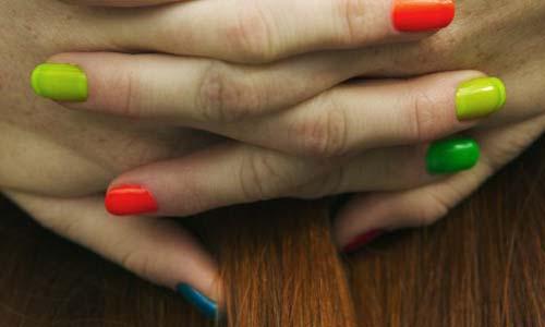 тренд разноцветный маникюр