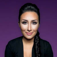 Как подчеркнуть черты лица: простые приемы макияжа