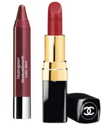 помады Neutrogena MoistureSmooth Color Stick и Chanel Rouge Coco Hydrating Crème Lip Colour