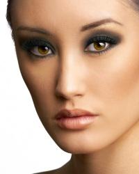 Как сделать дымчатый макияж глаз – техника нанесения