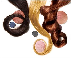 Блондинки зарабатывают больше брюнеток и рыжеволосых