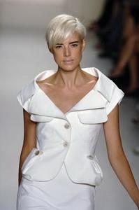 Агинесс Дейн возглавила список самых стильно одетых женщин