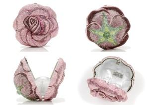 Сумочка American Beauty Rose от Judith Lieber