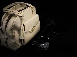 Adjani Bag - культовая сумочка от Lancel