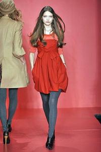 DKNY отпразднует 20-летний юбилей на Неделе моды в Нью-Йорке