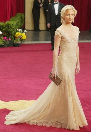 Платье от Versace стало лучшим нарядом десятилетия 3dcd431c849