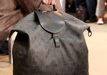 Louis Vuitton презентовал новую коллекцию мужских сумок