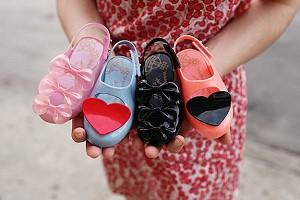 Вивьен Вествуд выпустила коллекцию детской обуви