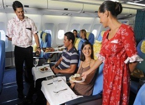Balenciaga разработает униформу для авиакомпании Air Tahiti