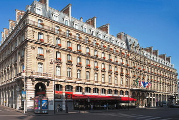 В Париже открывается ретроспектива Клода Моне