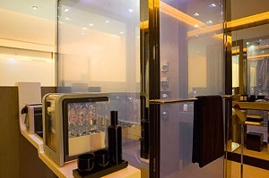 Отельный номер будущего в парижском Pullman Paris Bercy