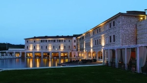 Спа-курорт Terme di Saturnia представил золотые процедуры для лица