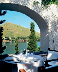 http://www.luxemag.ru/images/stories/leisure/travel/bast_restaurant1_4.jpg