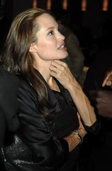 Икротерапия для Анджелины Джоли