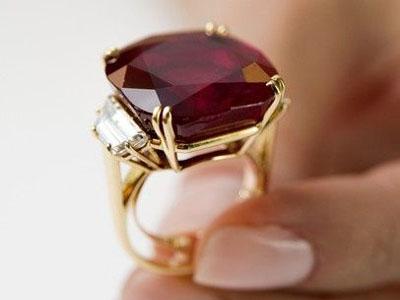золото с рубином