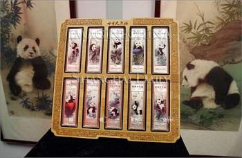 Золотые сувениры с пандами станут символом Shanghai Expo