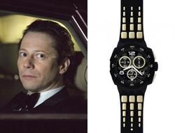 Swatch прославляет злодеев Джеймса Бонда