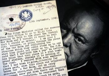 Предметы, принадлежавшие Уинстону Черчиллю, проданы на аукционе Christie's за ?690 000