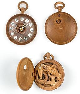 Старинные деревянные часы за 20 тысяч долларов