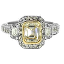 Желтый алмаз весом в 3,17 карат найден в «Алмазном кратере»