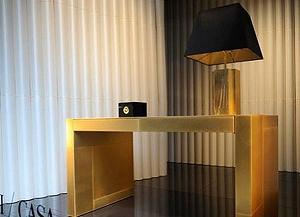 Джорджио Армани выпускает покрытую золотом мебель