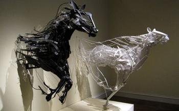 Уникальные скульптуры из переработанных отходов от Sayaka Ganz