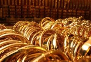 Люди покупают золото в виде слитков, а не украшений