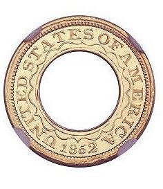 Кольцеобразный золотой доллар 1852 года будет продан с аукциона