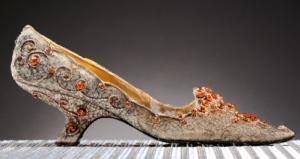 Туфли с топазами проданы за 26 тысяч долларов