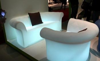 Коллекция «светящейся» мебели от Serralunga