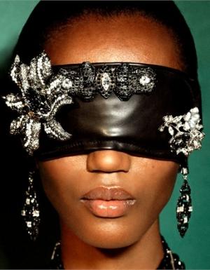 Бриллиантовые сны в Vogue Italia - украсьте глаза драгоценностями