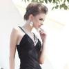 С чем носить вечернее платье: стильные дополнения