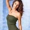Маленькая грудь и мода: размер не имеет значения