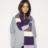 Как носить шарф - модный выход из ситуации
