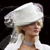 Свадебные женские костюмы - классика нового времени