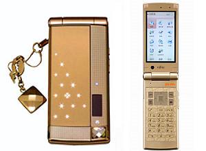 Fujitsu и Folli Follie создали новый мобильный телефон для женщин