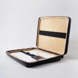 Кейс для ноутбука от Maison Martin Margiela