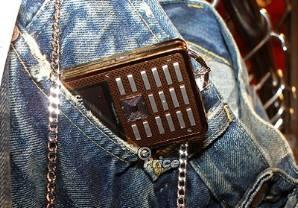Мобильные аксессуары от модного бренда Levi's