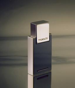 Cверхпрочный флеш накопитель класса люкc от Tyukalov